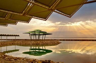 חופשה מושלמת על חוף הים ב-50% הנחה בלאונרדו קלאב ים המלח!