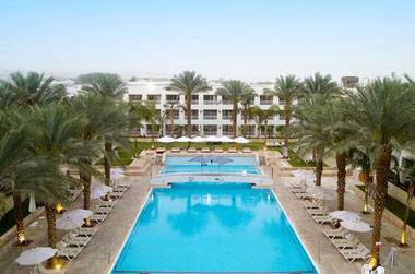 חופשה מפנקת במלון לאונרדו רויאל ריזורט אילת ב-50% הנחה!