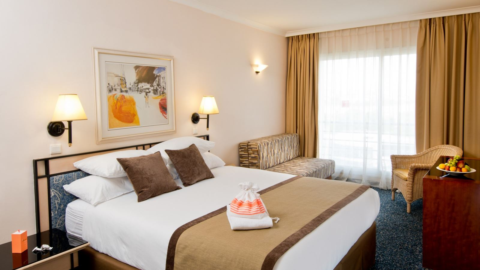 מזמינים חופשה במלון לאונרדו פלאזה אילת ונהנים מ-30% הנחה וממיקום מושלם על שפת הים!