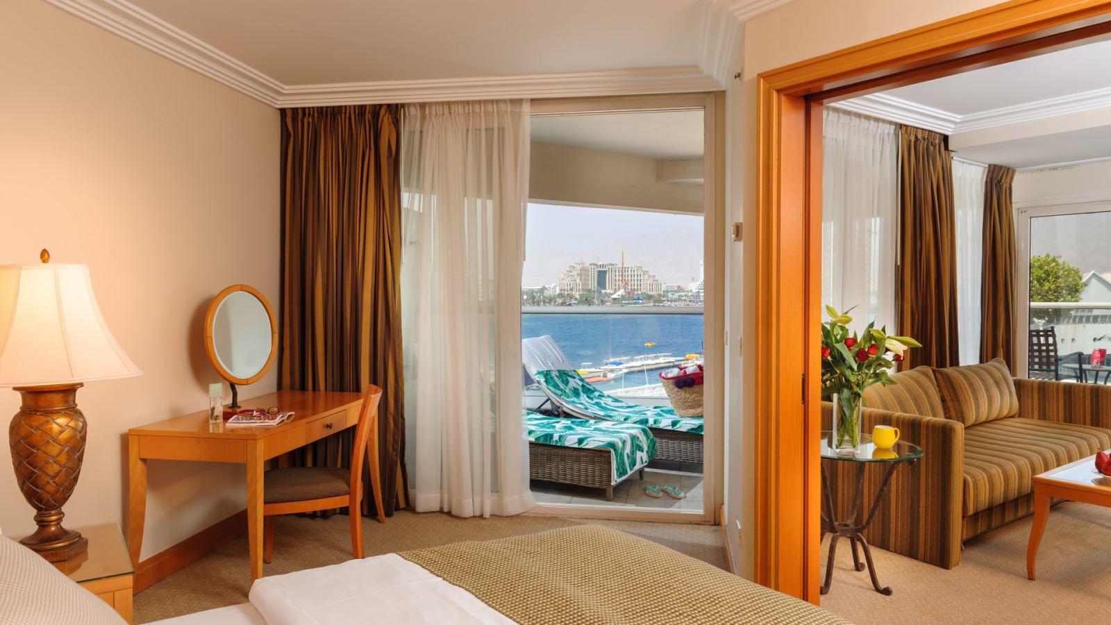 בואו ליהנות ולהתפנק בסוויטות מפוארות במלון ה-U סוויטס ב- 40% הנחה !