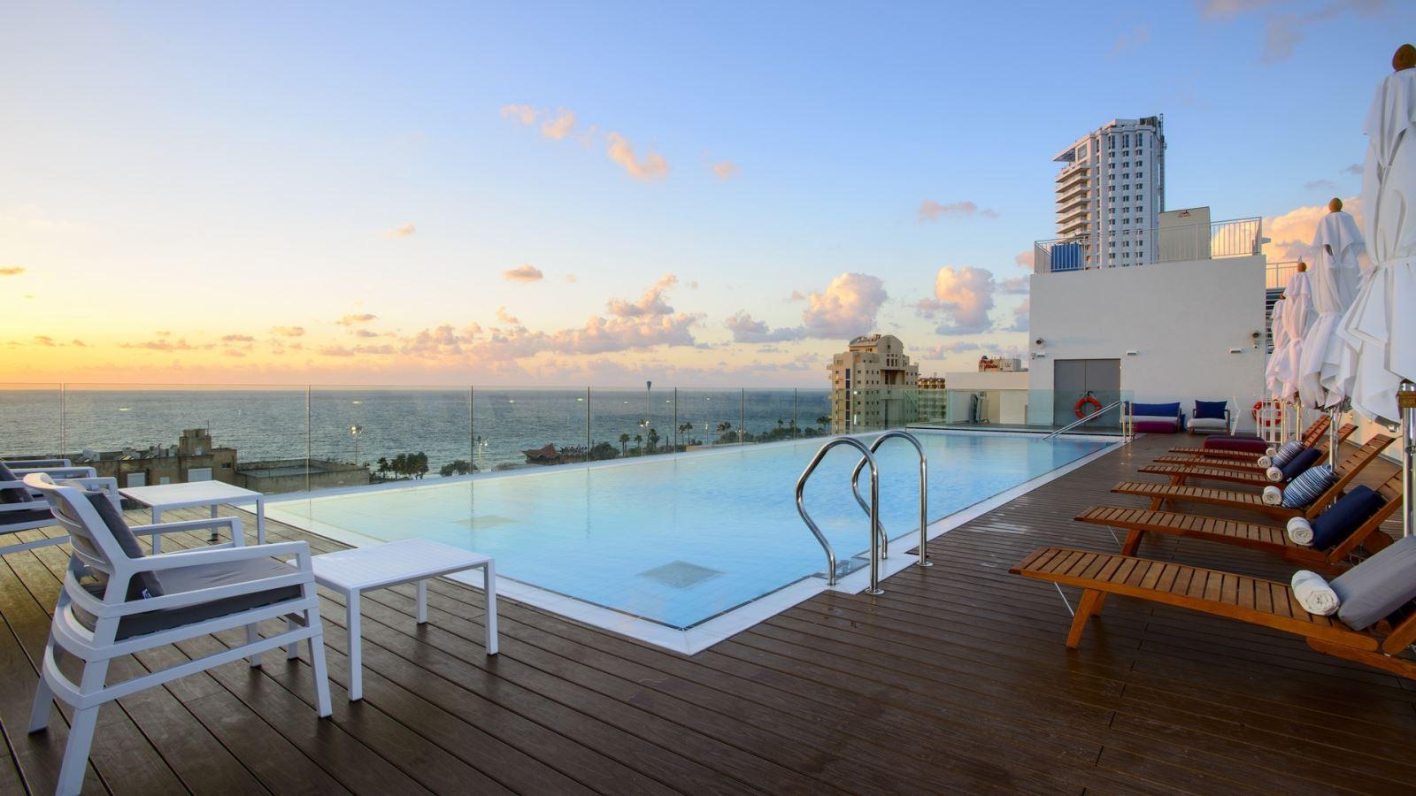 חופשה במלון לאונרדו פלאזה נתניה ב-30% הנחה!